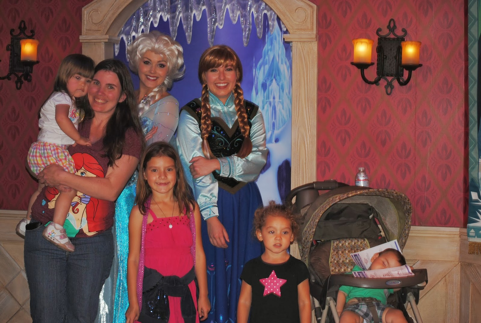 Meet Frozens Anna And Elsa Now At Disneyland And Disney World