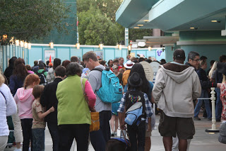 Tips for Surviving Crowded Days at Disneyland