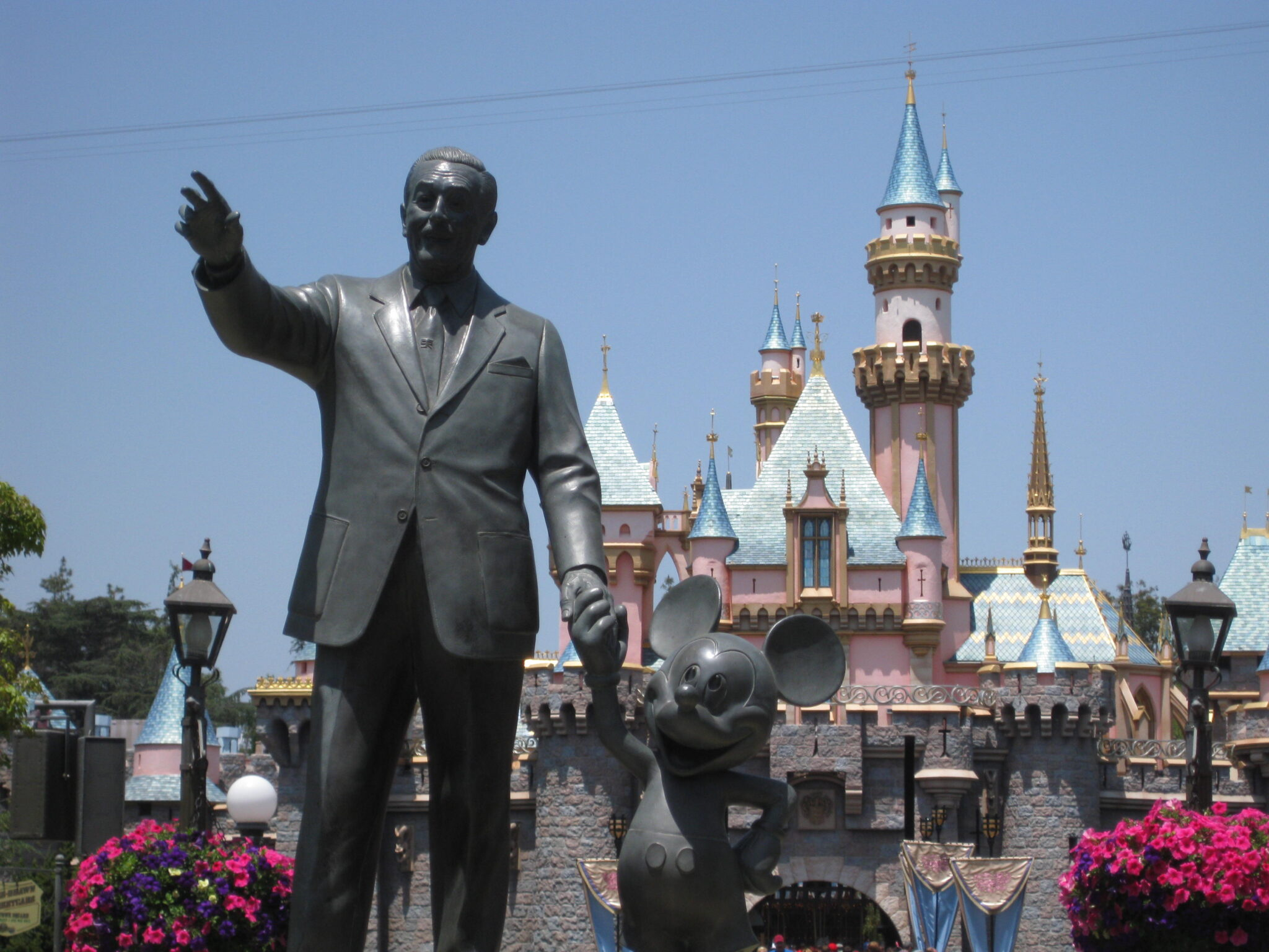 Walt Disney – The Man Behind the Mouse