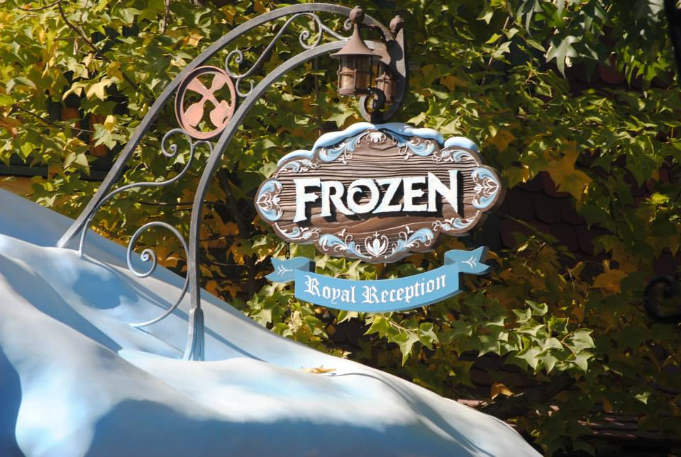 Meet Frozen's Anna and Elsa now at Disneyland and Disney World!