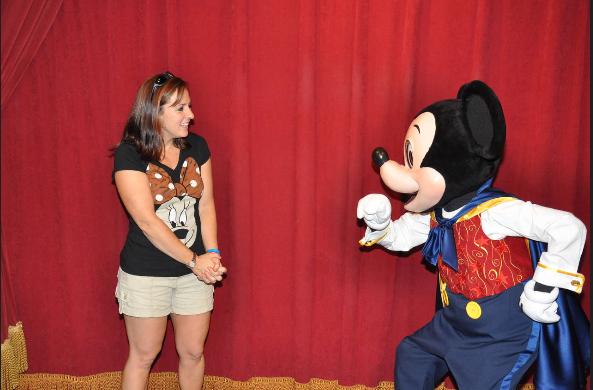He Talks!!!   Magic Kingdom's Talking Mickey at Walt Disney World