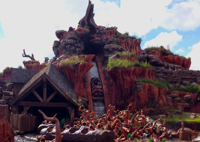 Splash Mountain Logo Disneyland
