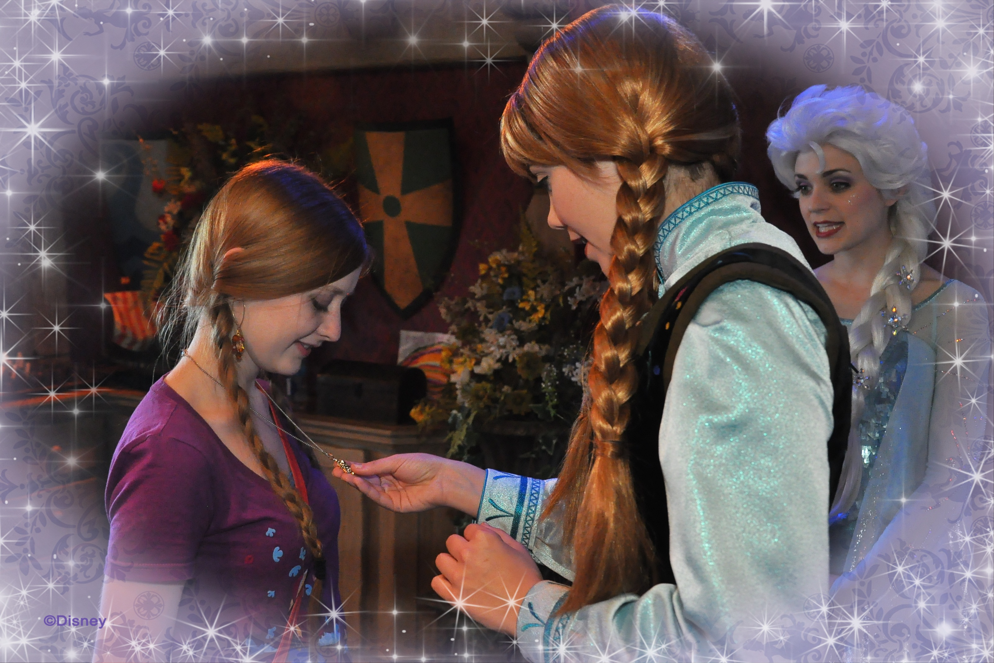 Frozens anna and elsa meet and greet at disneyland is it really 52923350134 m4hsunfo