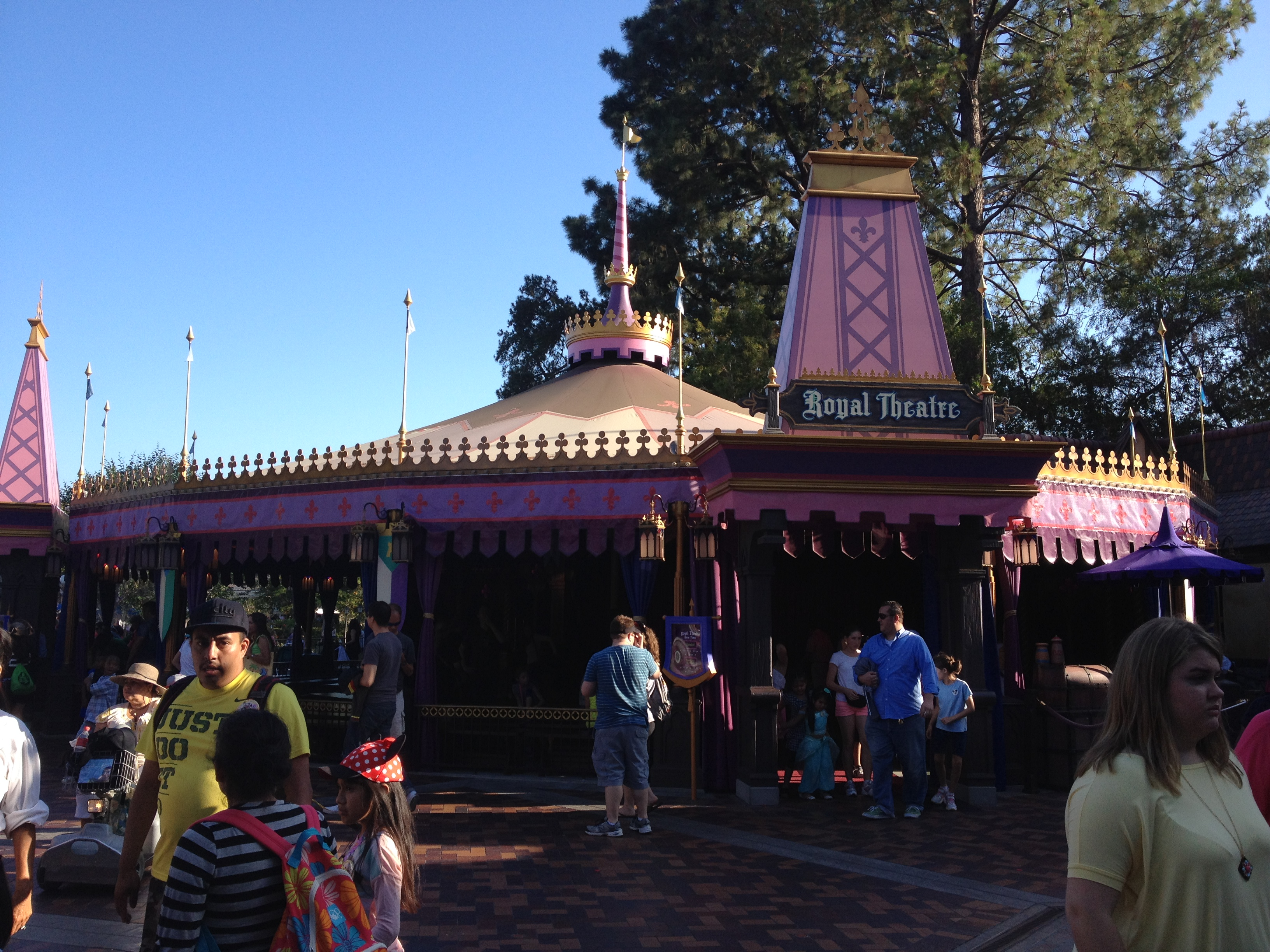 Top 10 Things Not to Miss at Disneyland