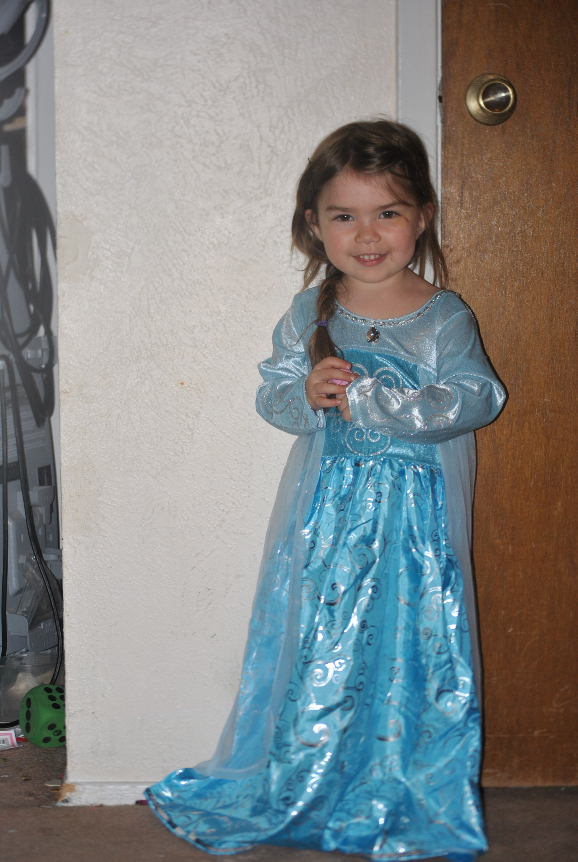 Disney Dress Up Costumes- Why I love Mom Approved Costumes - Tips ...