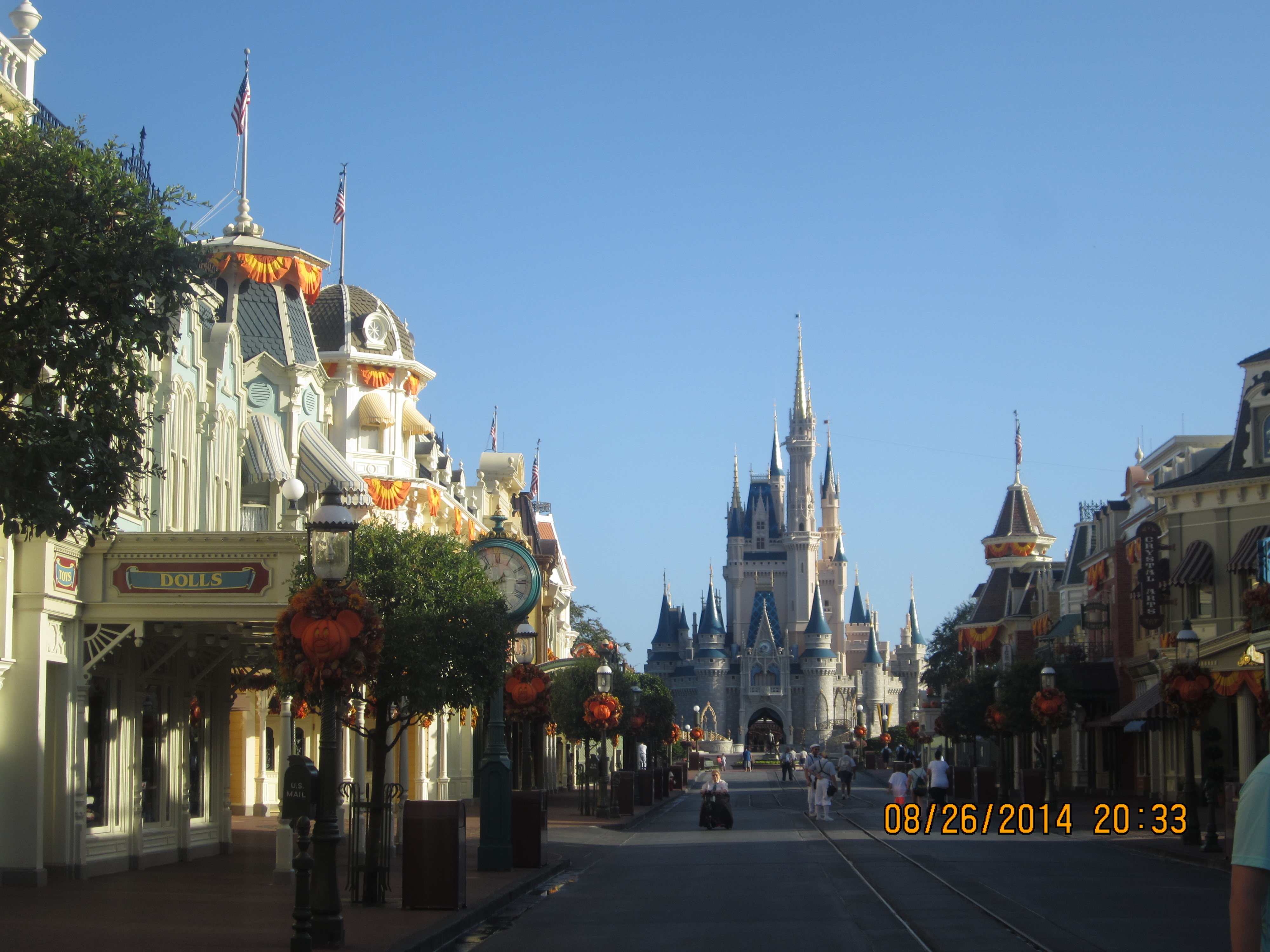 4 Magical Moment Tips for Exploring Main Street U.S.A in Disney World
