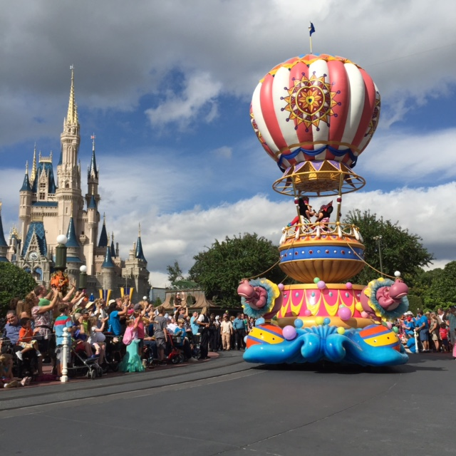 Should You Use FastPass+ For Parades and Shows at Walt Disney World?