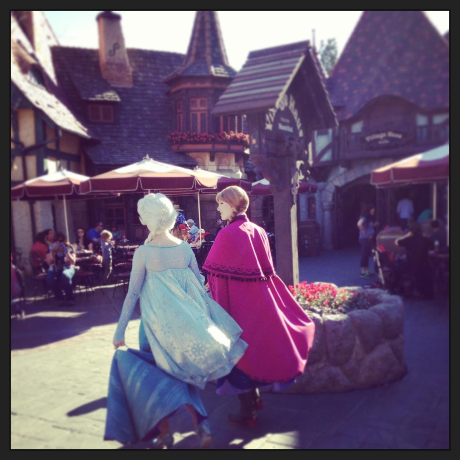 Tips to Disneyland's Roaming Characters