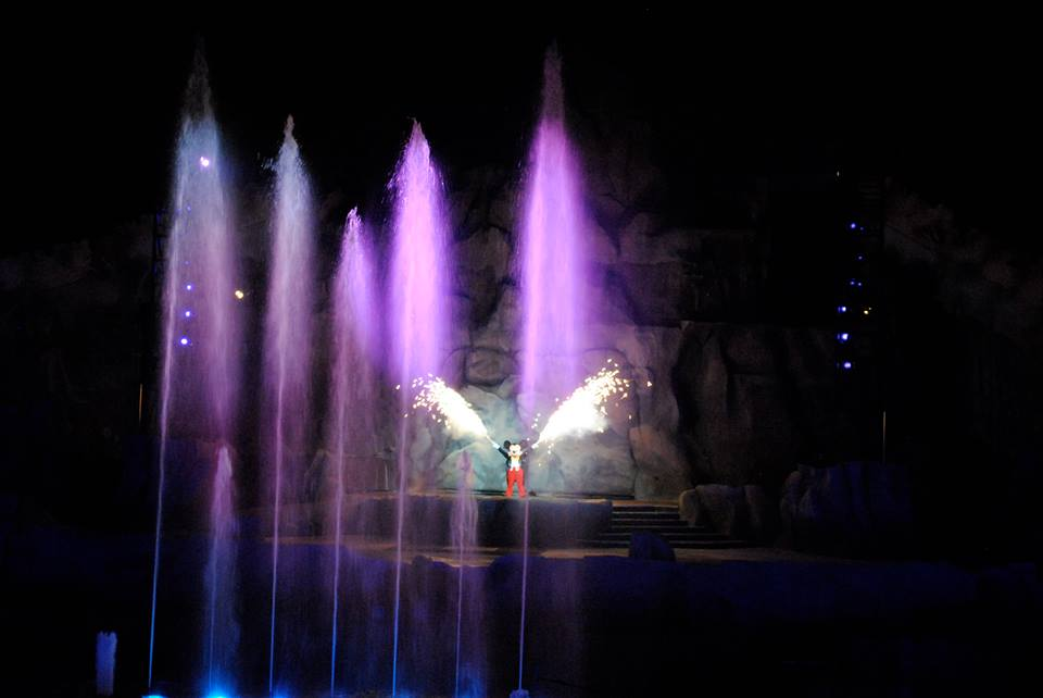 Character Meal and Fantasmic! VIP seating.  Stretch your dining budget with Hollywood Studio's Fantasmic! Dinner Package