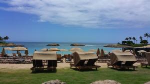 aulani beach1