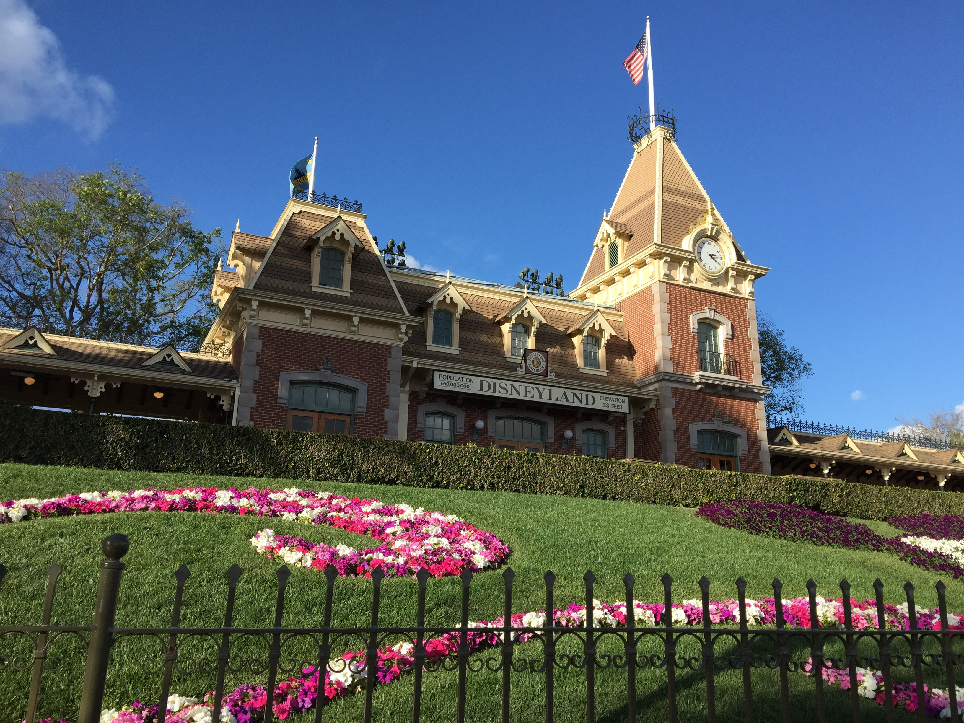 Is A Disneyland Annual Pass Right For Me?