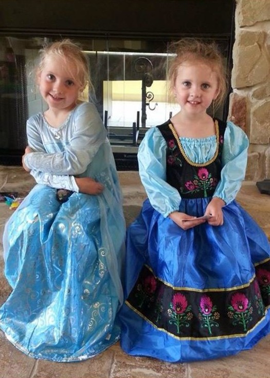 Disney halloween costumes to theme or not to theme tips from the anna and elsa solutioingenieria Image collections
