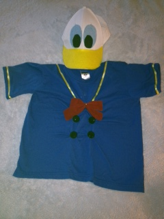 Disney halloween costumes to theme or not to theme tips from the goofy one of the easiest goofy costume diys i have ever seen was featured here solutioingenieria Images