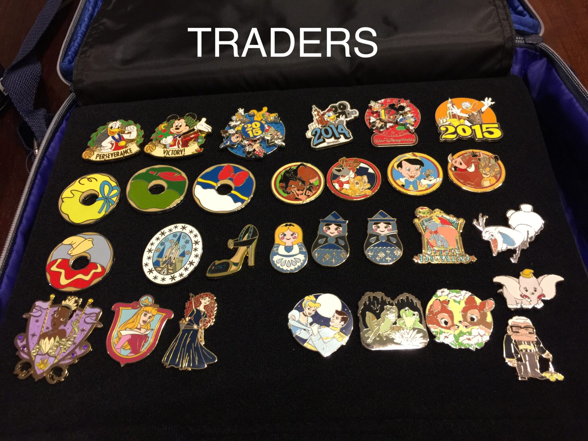 Disney Pin Trading Lingo Tips From The Disney Divas And