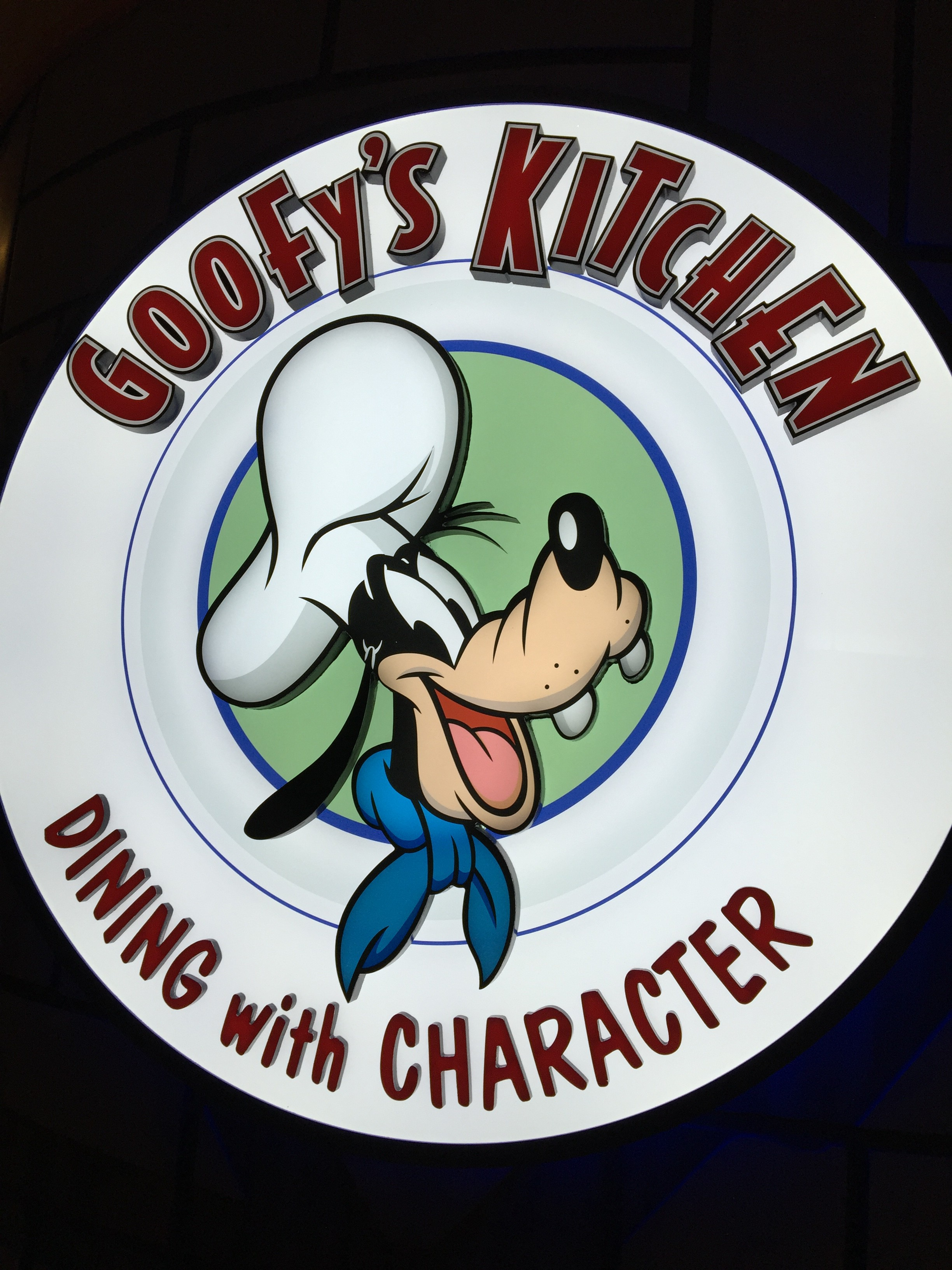 Disneyland Character Meals & Goofy's Kitchen