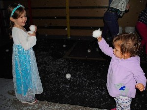 """snowball"" fighting"