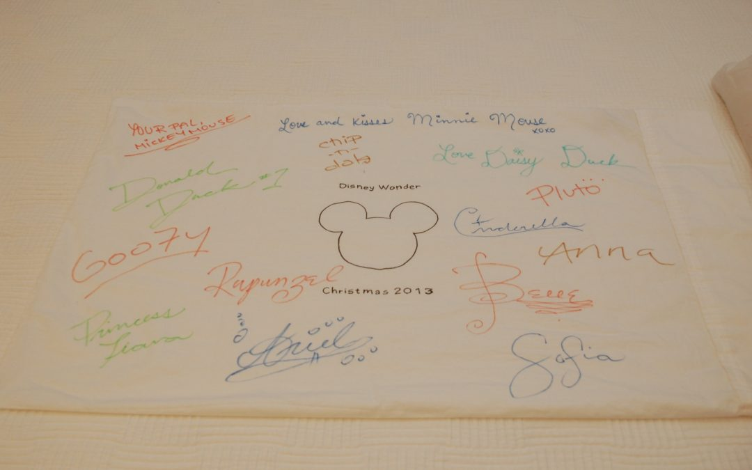 5 DIY Disney Autograph Book Ideas