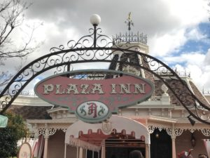 Tips for Picking Which Character Meal at Disneyland is Best for You