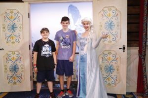 Great Tips for Getting Your Teens to Meet Characters at Walt Disney World