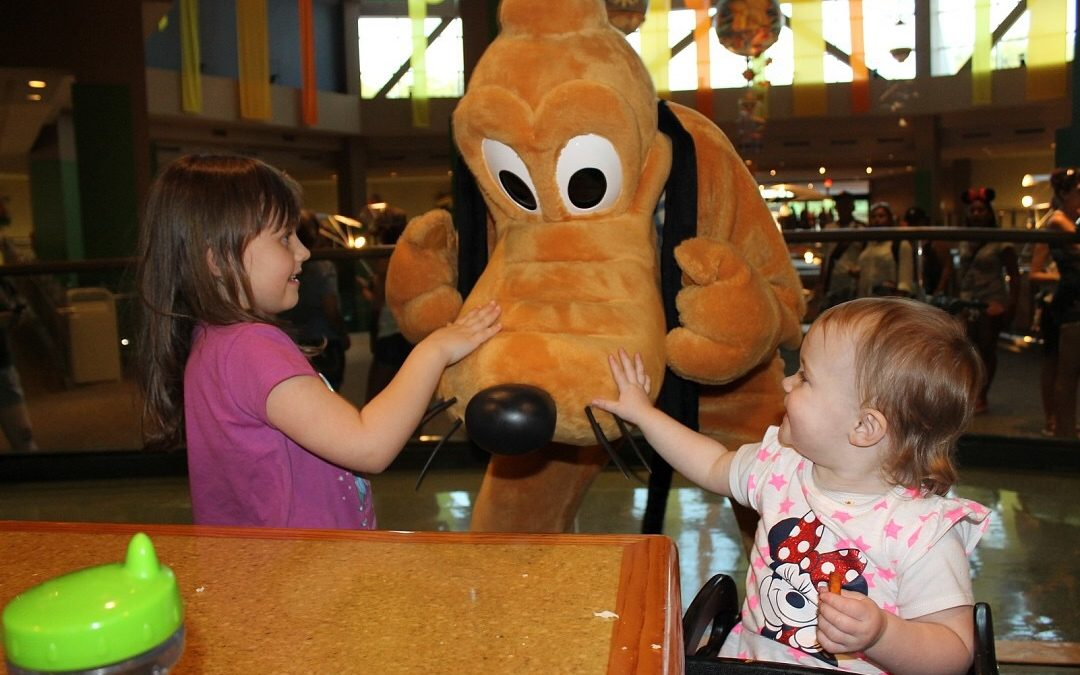 Throwback Thursday: Your Guide to Character Meals Around Walt Disney World