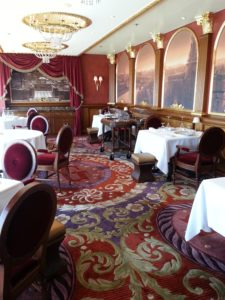 What types of dining is offered on a Disney Cruise? What is included in the price of a Disney Cruise?