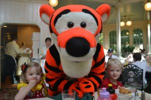 Crystal Palace Breakfast Review / Dining With Characters in Walt Disney World