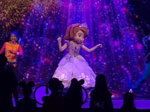 New Disney Junior Dance Party in California Adventure! / Sofia the First