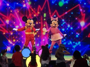 New Disney Junior Dance Party in California Adventure! / Mickey and the Roadster Racers / Mickey / Minnie
