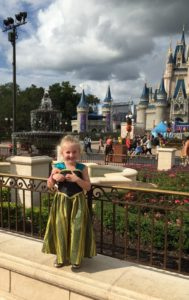 Saving for Disney World / cheaper disney costumes / Simple Disney World Money Saving Tips