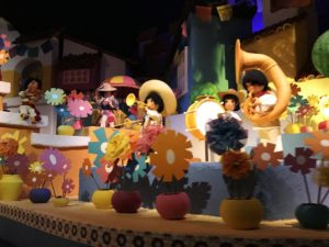 Animitronics inside Gran Fiesta Tour attraction at Epcot