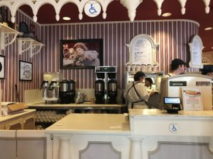Ordering at Casey's Corner, Walt Disney World's Magic Kingdom / Hit One Out Of The Park At Casey's Corner