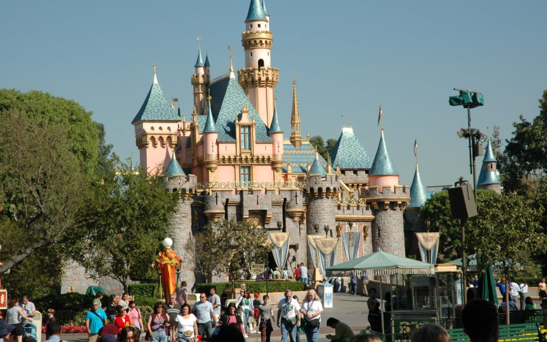 7 Tips for Saving Money on your Disneyland Vacation