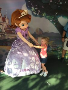 Attending a Disney Park? Here's How to Build Your Family's Special Plan! / Hollywood Studios / Meeting Sofia the First