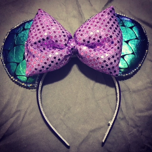 Win a Pair of Custom Made Minnie Ears!