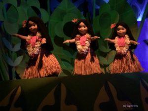 It's a Small World Hawaiian Girls