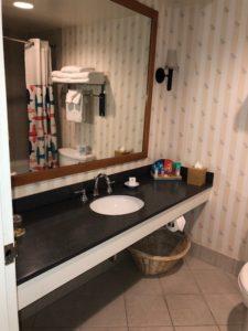 Paradise Pier Hotel Bathroom