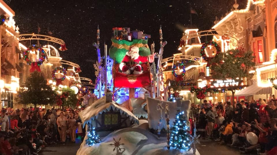 Mickey's Very Merry Christmas Party Tickets Are On Sale Now and Some Diva Tips!