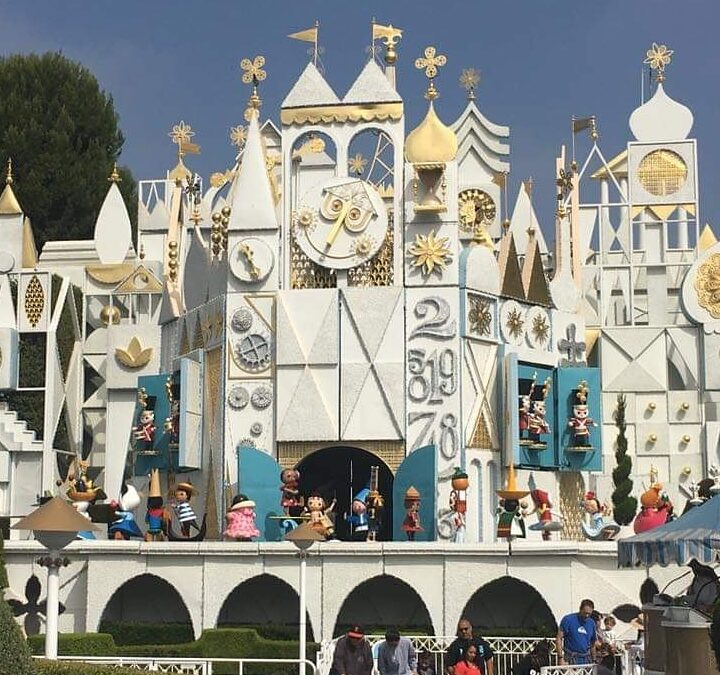Top 10 Attractions for Keeping Cool at Disneyland