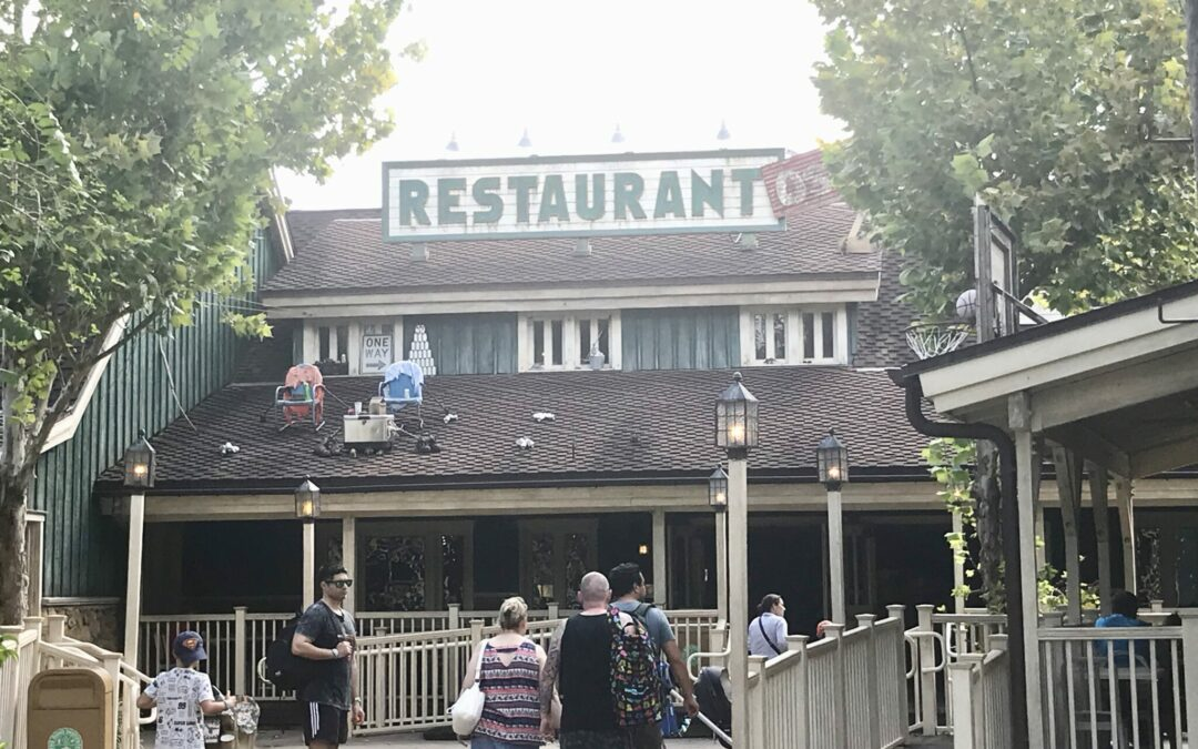 Restaurantosaurus Family-Style Dining: Gourmet Burgers and Sundaes